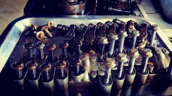 mini烧机油维修