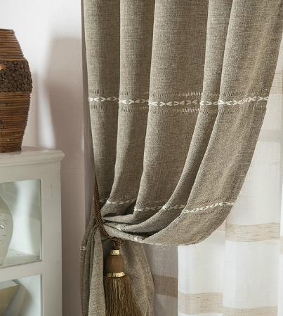 還在為了清洗窗簾而苦惱嗎?不拆不洗把窗簾清洗干凈方法知道嗎?