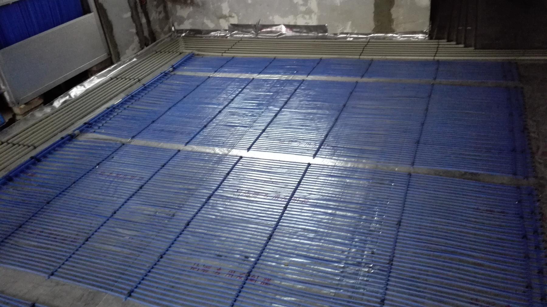成都生态空调-毛细管网铺设