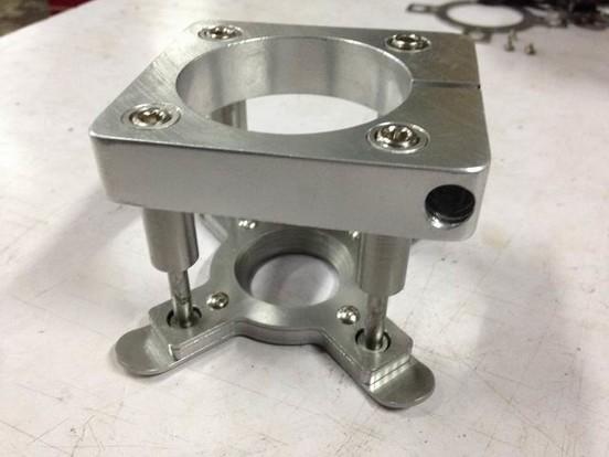 雕刻机自动压板器