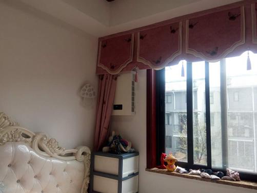 壁掛新風機臥室安裝圖