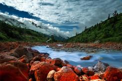 蓝色星球上的最后一片净土 最后的香格里拉——海螺沟稻城亚丁七日游