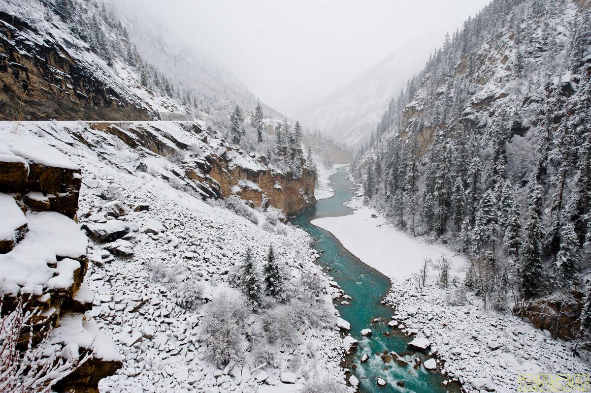 西藏的雪景