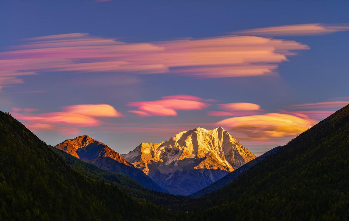 川藏線南迦巴瓦峰