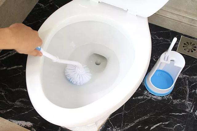 消毒清洁做到位,让家中的马桶更卫生