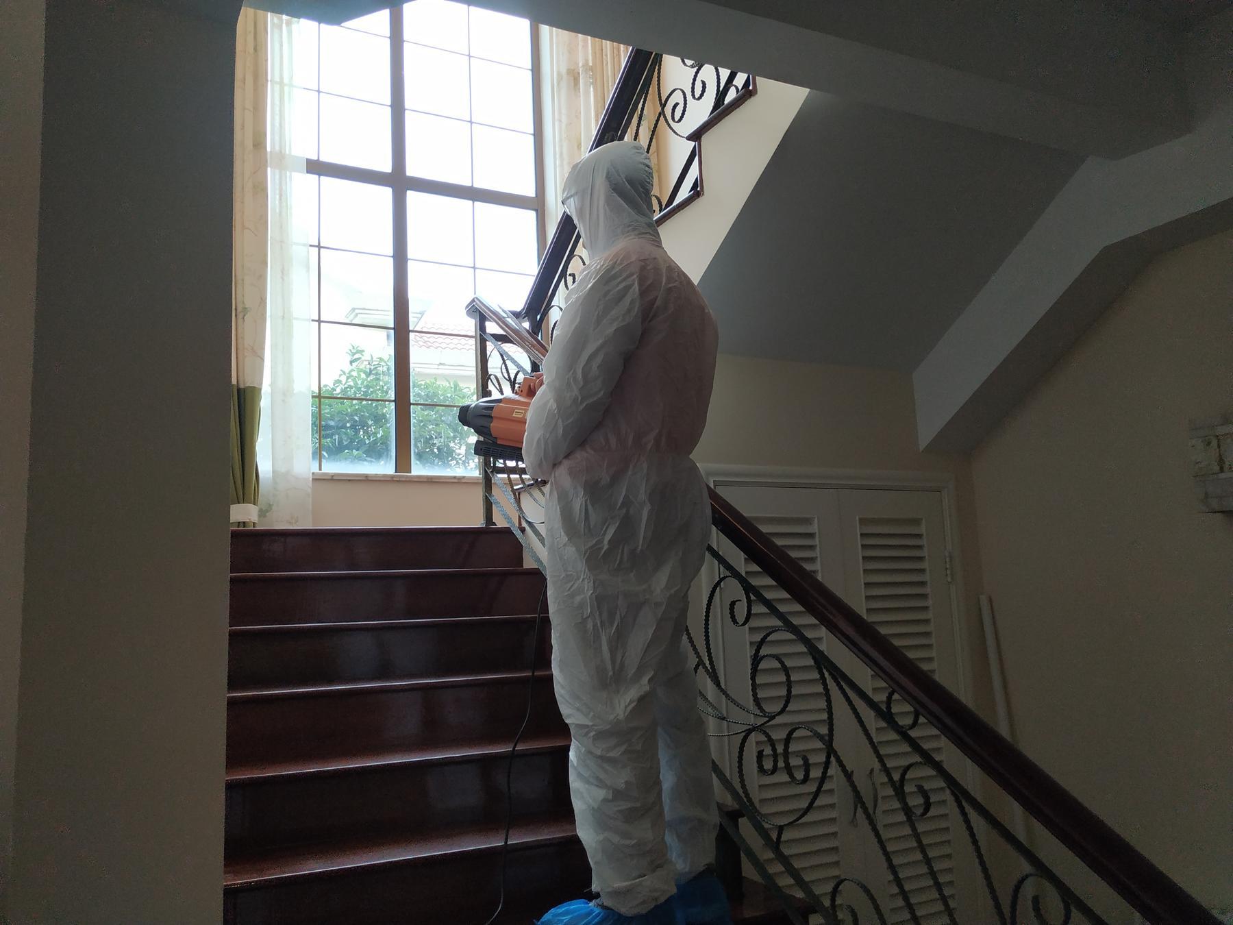 别墅楼梯消毒