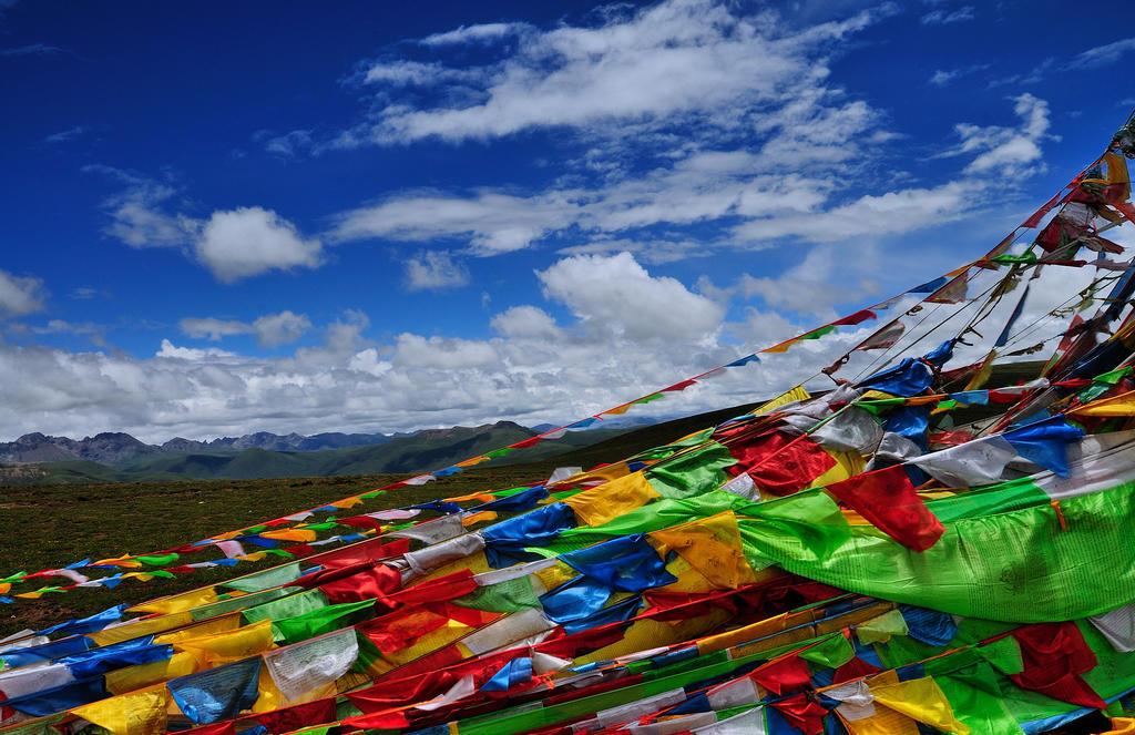 西藏旅游包車租車