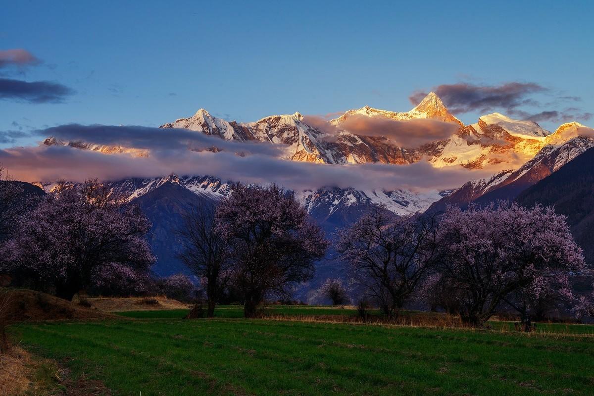 川藏線旅游攻略應該怎么做