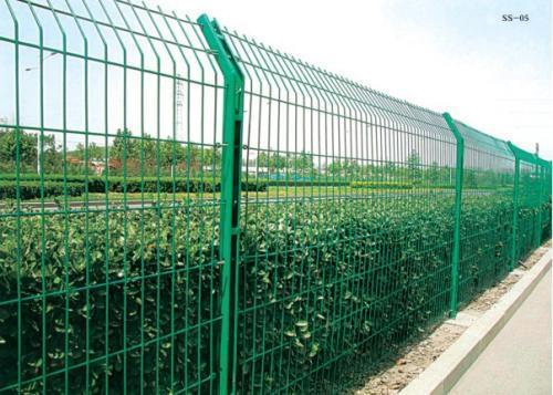 如何提高护栏网的使用寿命