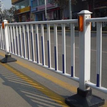 高速公路护栏网的开发与应用