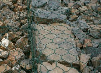 石笼网工程比钢筋混凝土等工程优越在那些地方?