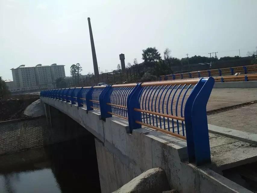 桥梁护栏的作用