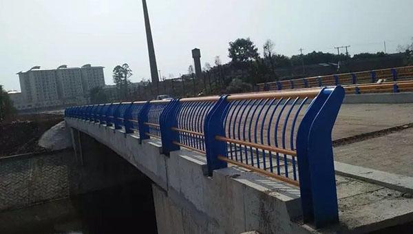 桥梁护栏的优点