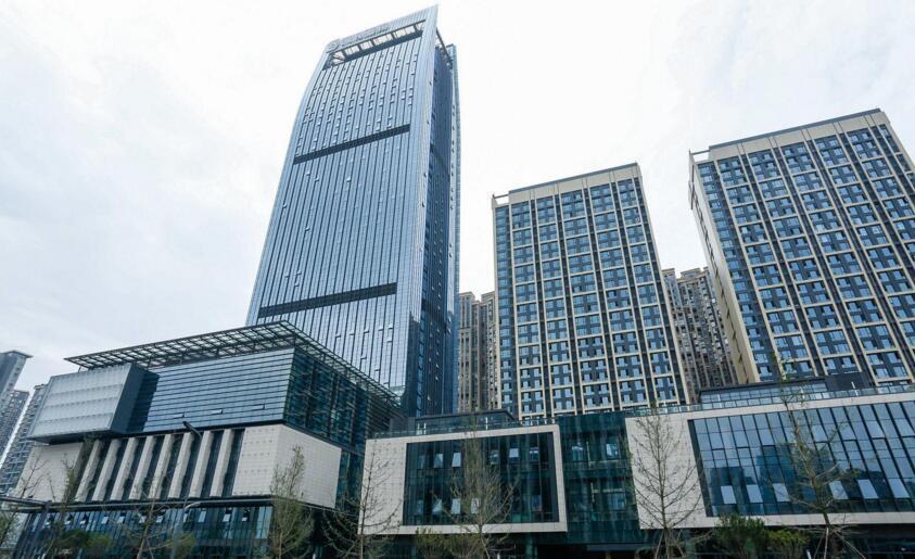 成都藍潤置地廣場某企業辦公室中央新風系統安裝案例